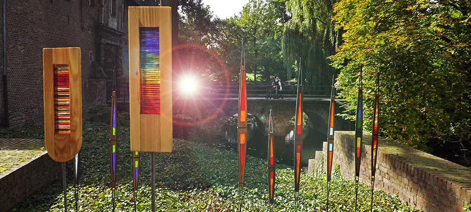 Fertighäuser Aus Holz Und Glas ~ Gartenstelen Aus Glas Holz Und Metall Pictures to pin on Pinterest